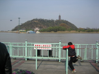 Jiao Shan - waiting for the ferry